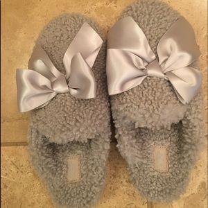UGG Gray Plush Slippers NWOT 7
